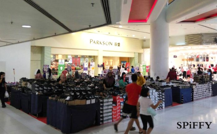 Fashion Shoes Sales Affordable Shoes Red Modani Store at Subang Parade Subang Jaya Selangor Malaysia Spiffy Fasshion Shoes Season Clearance Stock Spiffy Fair A01