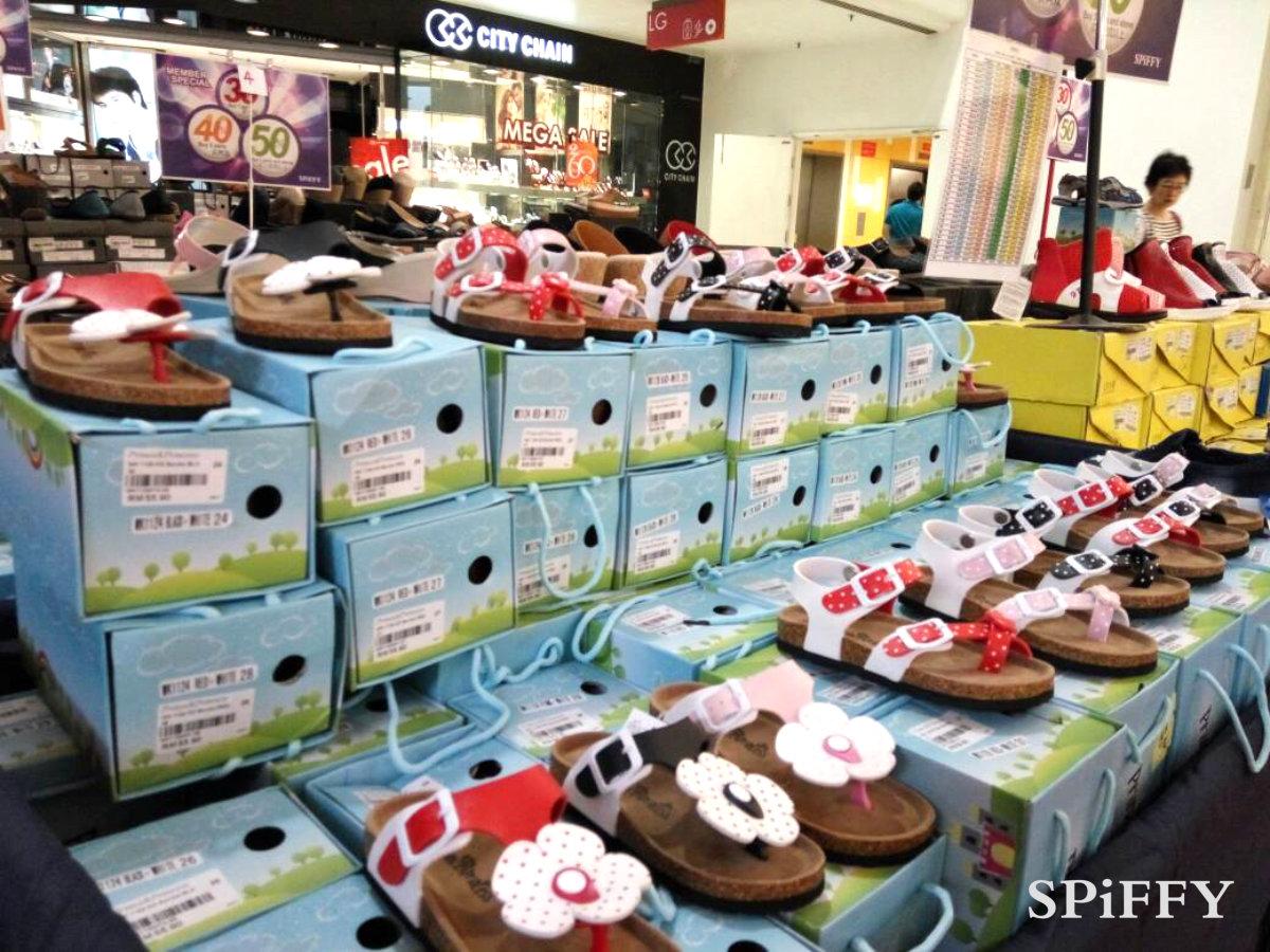 Fashion Shoes Sales Affordable Shoes Red Modani Store at Subang Parade Subang Jaya Selangor Malaysia Spiffy Fasshion Shoes Season Clearance Stock Spiffy Fair A02