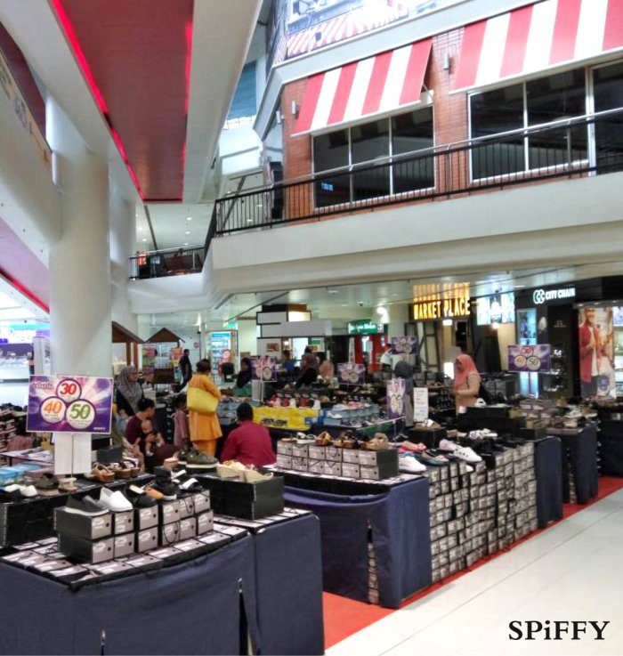 Fashion Shoes Sales Affordable Shoes Red Modani Store at Subang Parade Subang Jaya Selangor Malaysia Spiffy Fasshion Shoes Season Clearance Stock Spiffy Fair A03