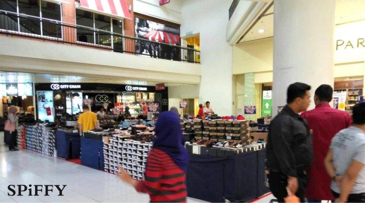Fashion Shoes Sales Affordable Shoes Red Modani Store at Subang Parade Subang Jaya Selangor Malaysia Spiffy Fasshion Shoes Season Clearance Stock Spiffy Fair A04