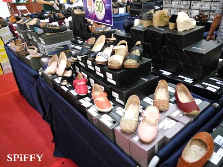 Fashion Shoes Sales Affordable Shoes Red Modani Store at Subang Parade Subang Jaya Selangor Malaysia Spiffy Fasshion Shoes Season Clearance Stock Spiffy Fair A07