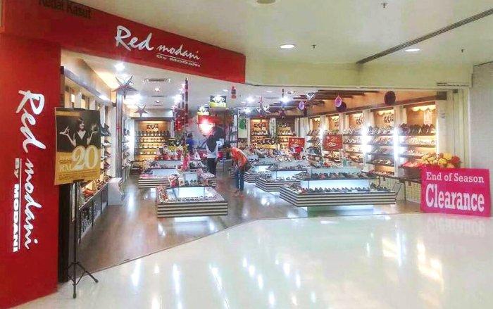 Red Modani Store at Subang Parade Subang Jaya Selangor Malaysia Spiffy Fasshion Shoes A01.jpg