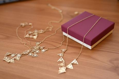 jewellery-2412842_1920.jpg